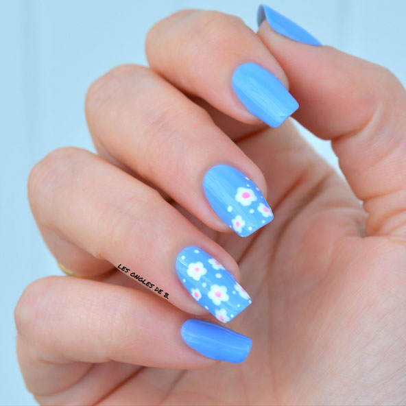 nail art de printemps au dotting tool