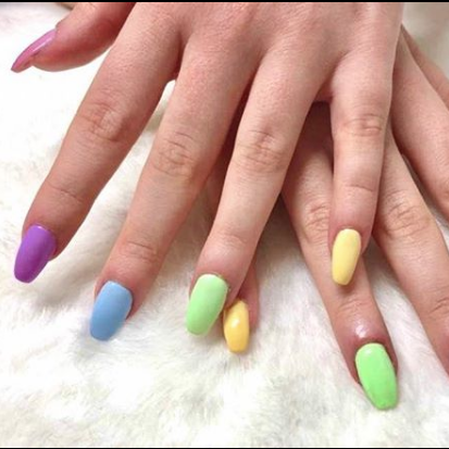 mismatched nails couleurs